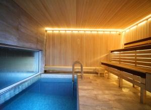 Снять баню с бассейном на сутки, русская баня на дровах